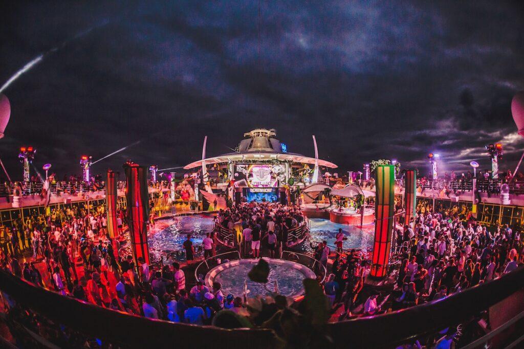 vj the ark cruise
